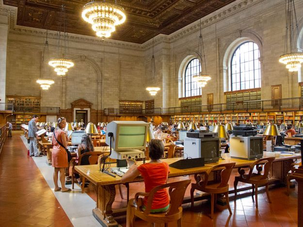 800px-New_York_Public_Library_-_04