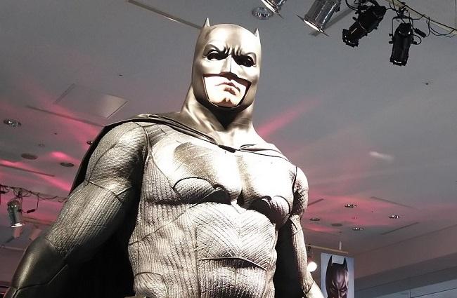 バットマン …「バットマン 100% HOT TOYS」にて