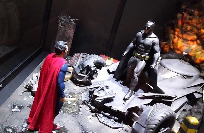 シーンの再現!! …「バットマン 100% HOT TOYS」にて
