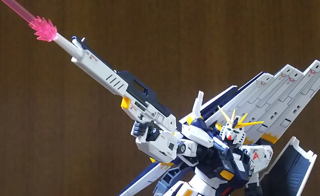 「RG νGUNDAM(νガンダム)」…ビーム・ライフルで撃て!