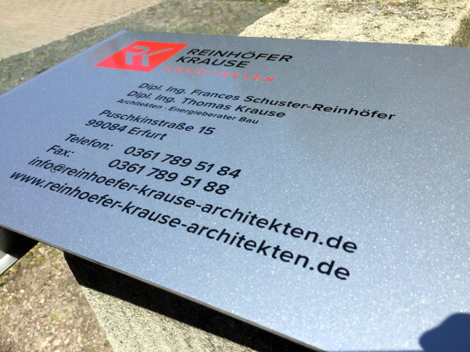 Schild   Reinhöfer + Krause ARCHITEKTEN