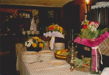 Mesa auxiliar colocada para comida de Pedida de mano