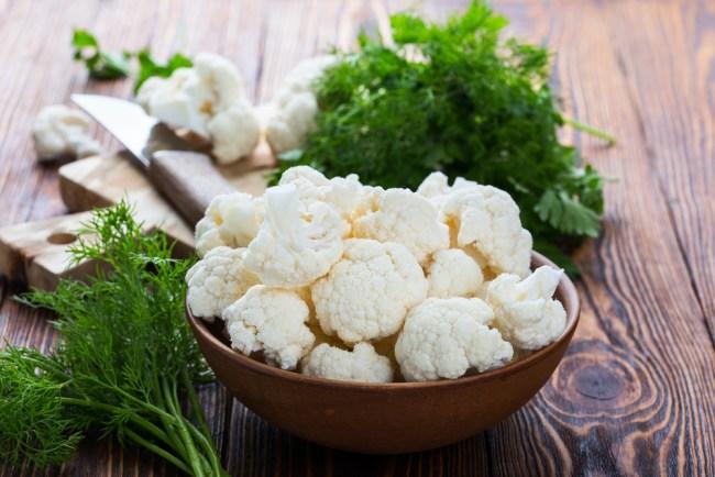 Sostituire il riso con il cavolfiore per controllare i carboidrati