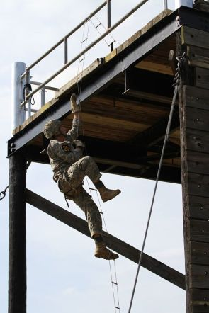 US Army Ranger, Ladder Climb (1)