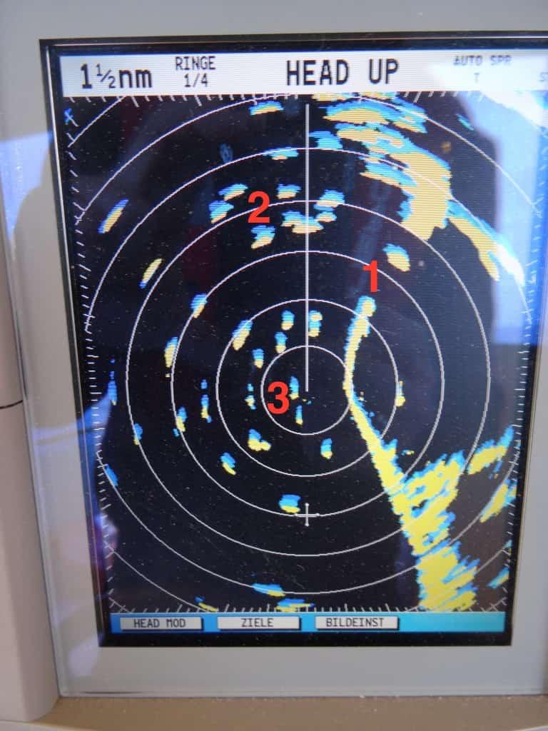 Raytheon CL70 Radar bei viel Verkehr vor Schleimünde