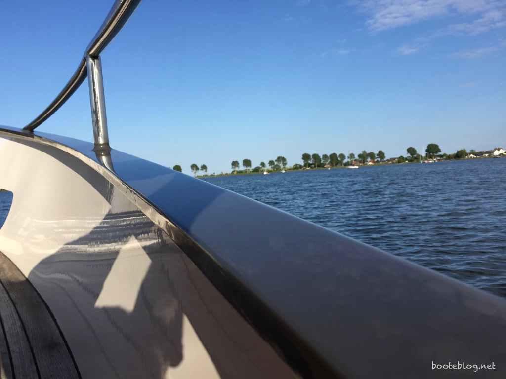 Lack auf dem Stahlboot JULIUS