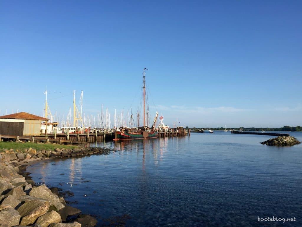 Blick auf den Yachthafen von Maasholm