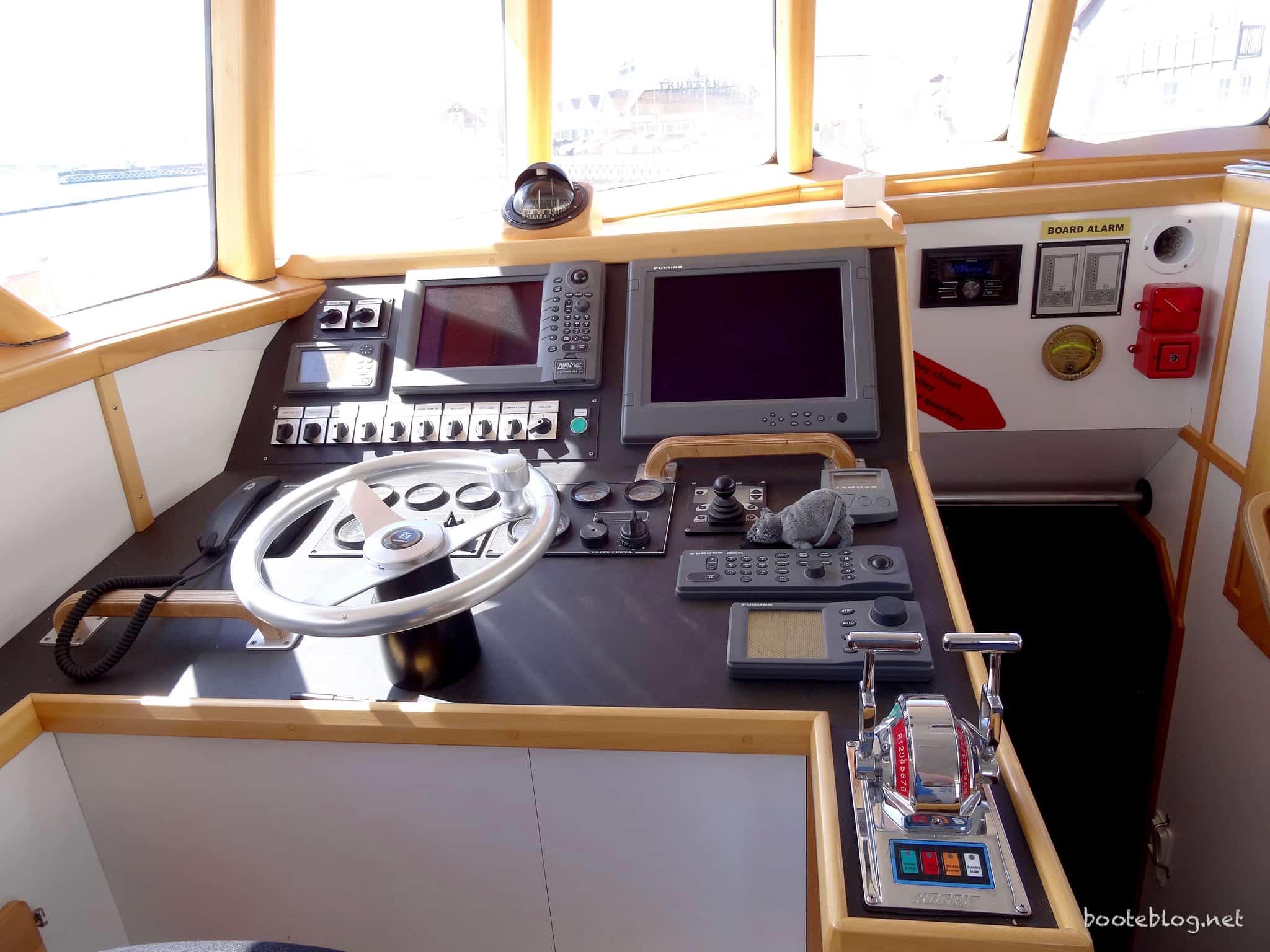 Die Maschinenkontrolle erfolgt elektrisch, im Maschinenraum selbst ist aber ein mechanisches Notfallsystem.