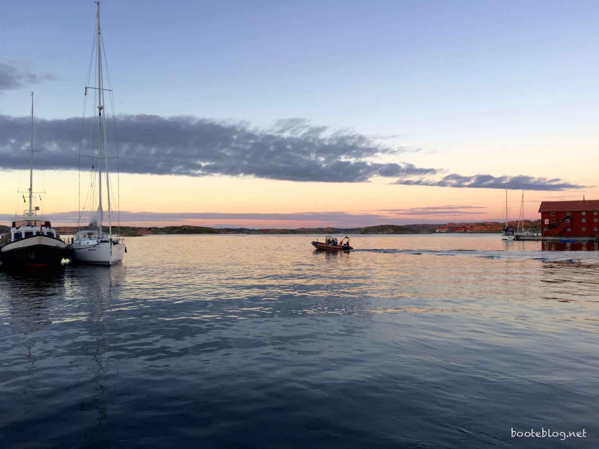 Ein ganz besonderer Abend in Gullholmen: ohne Wind.
