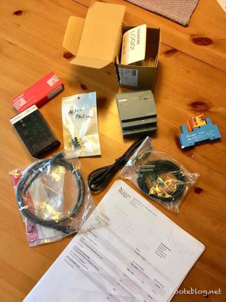VisuShip Basic Paket: Sensoren, Controller, Zentraleinheit, LTE-USB-Stick... und eine ausführliche Anleitung.