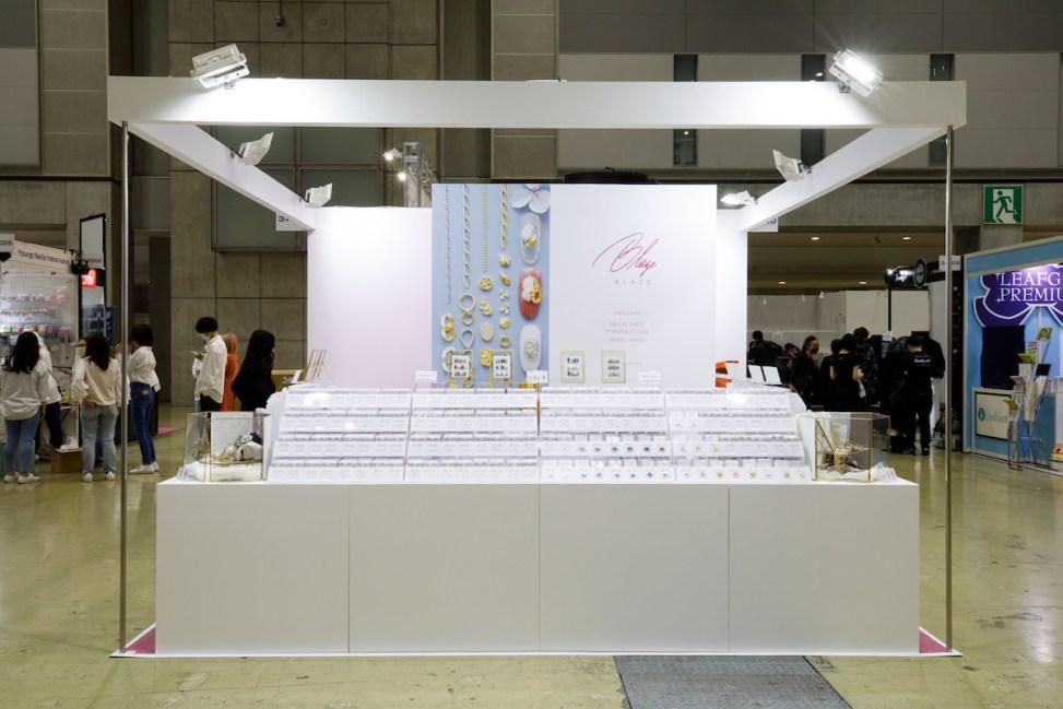 ビューティーワールドジャパン展示会ブースデザイン装飾