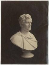 Bust_of_Junius_Brutus_Booth