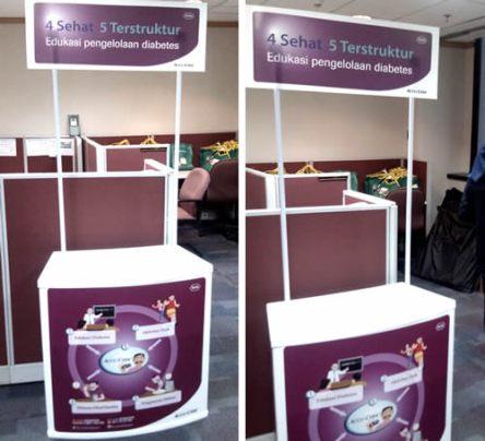 meja-promosi-event-desk-accu-chek-roche-diagnostic