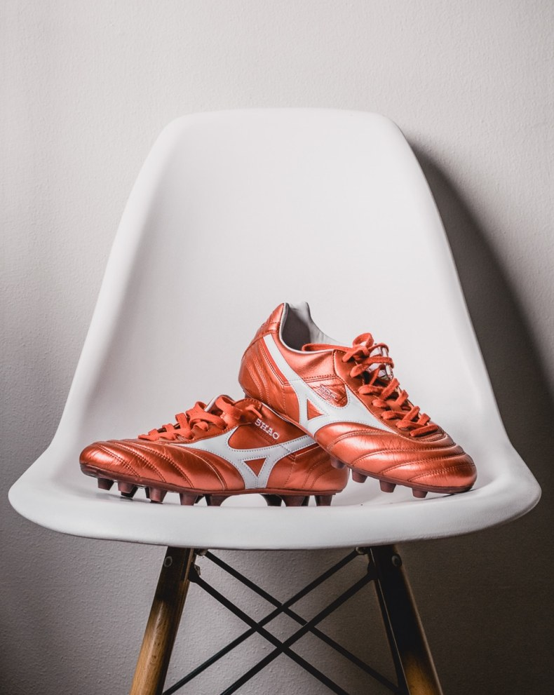 Best football boots for defenders - Mizuno Morelia 2 MiJ Red - Review
