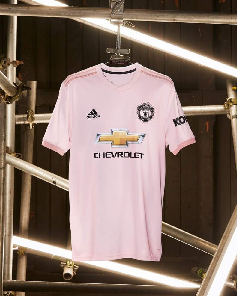 Manchester United Pink Away Kit 2018-19