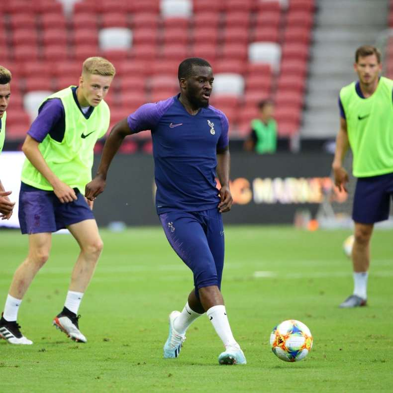 Ndombele trains with the Spurs team