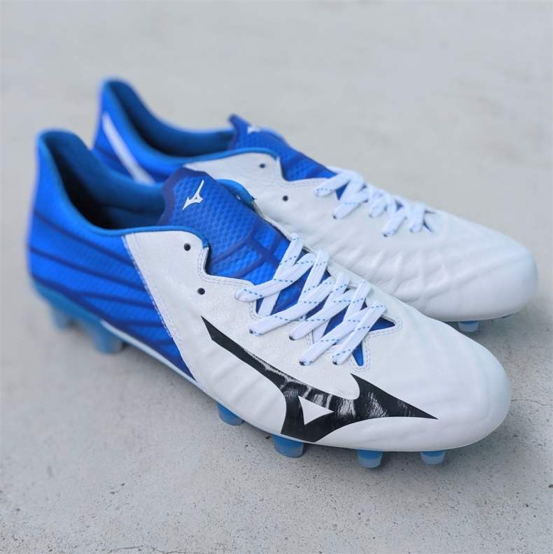 Mizuno Rebula 3 Made in Japan - best football boots for midfielders