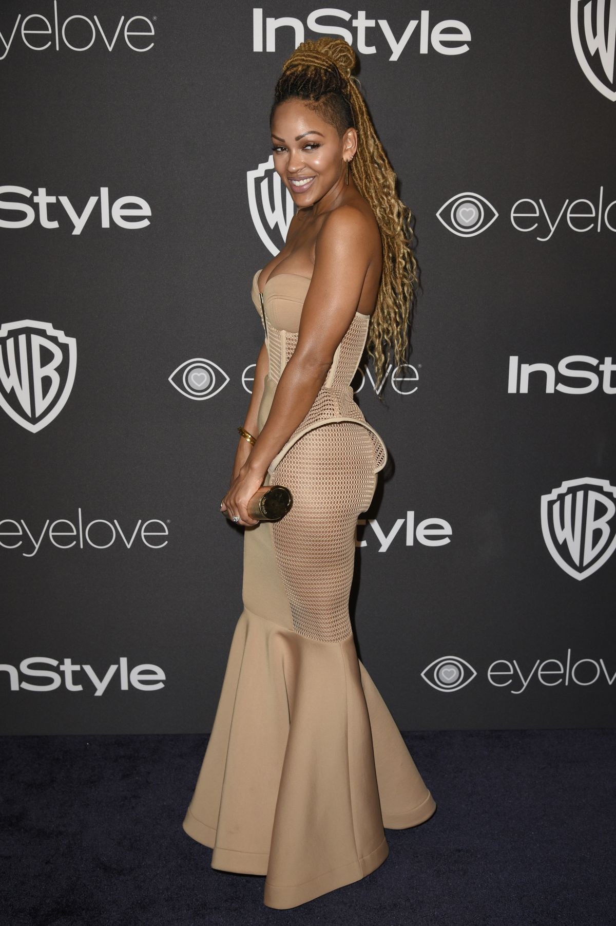 Meagan Good Shows Off Curves  Major Cleavage In A Tight -6320