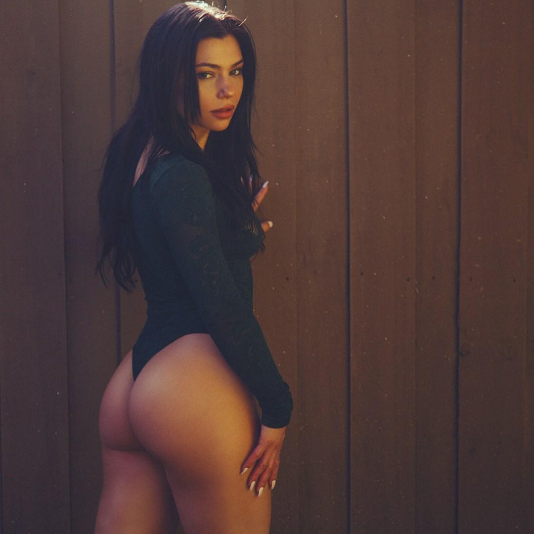 samantha rakell nude