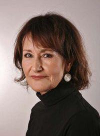 Pasfoto van de auteur Maria Phillipens schreef het boek De matrasdrager in 2020.