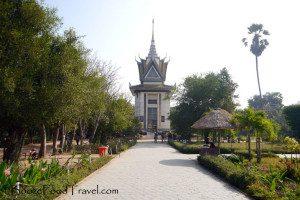 Memorial stupa at Cheong Ek