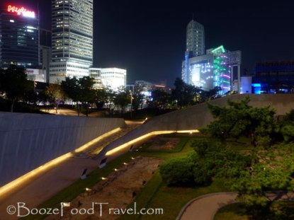 Dongdaemun Design Park at night