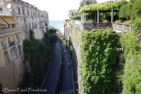 Via Luigi de Maio from Piazza Tasso