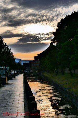Distorted sunset outside Tō-Ji