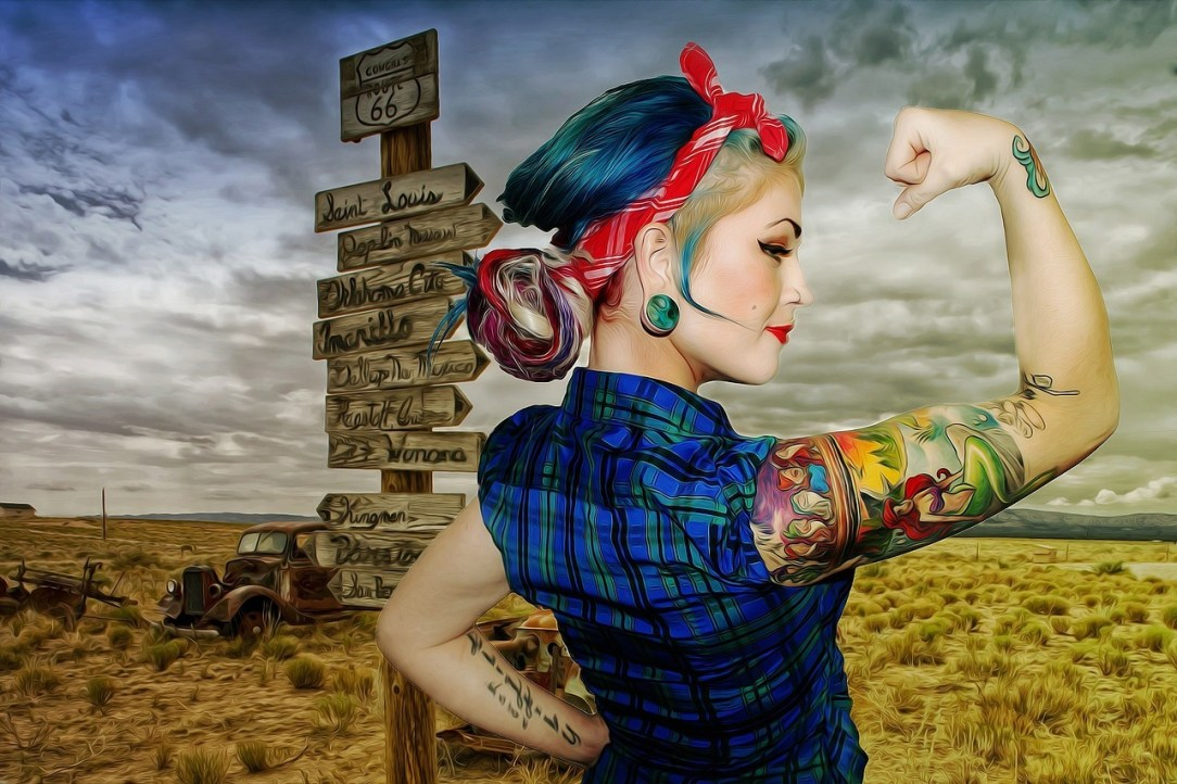 Strong woman in the desert, inspiration to think about the alcohol industry