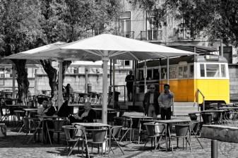 kafic tramvaj belem_sve crno osim tram-1_potpis