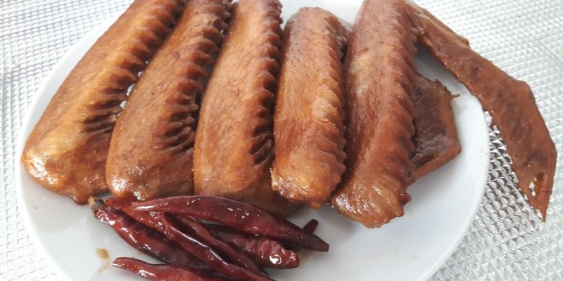 李黑鴨滷味。正宗武漢鴨爽辣微甜很唰嘴 啃上瘾的美味鴨翅!最解饞的無敵組合