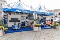 Lo stand della Polizia