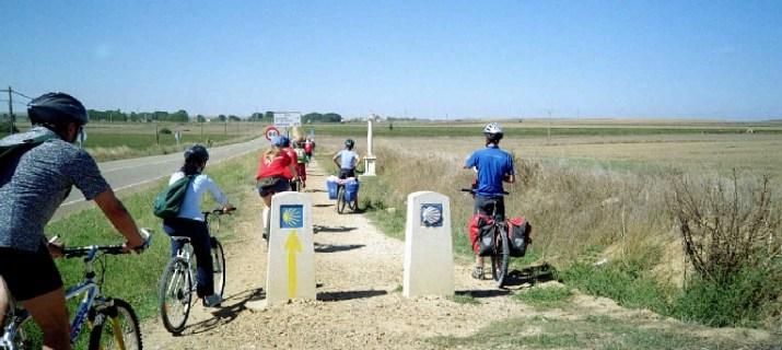 A pedali sul cammino di santiago bora la - Cammino di santiago cosa portare ...