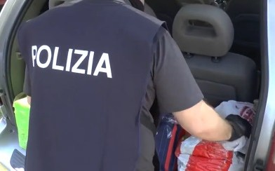 Terrorism: trafficking of false documents, seven arrests in Lombardy