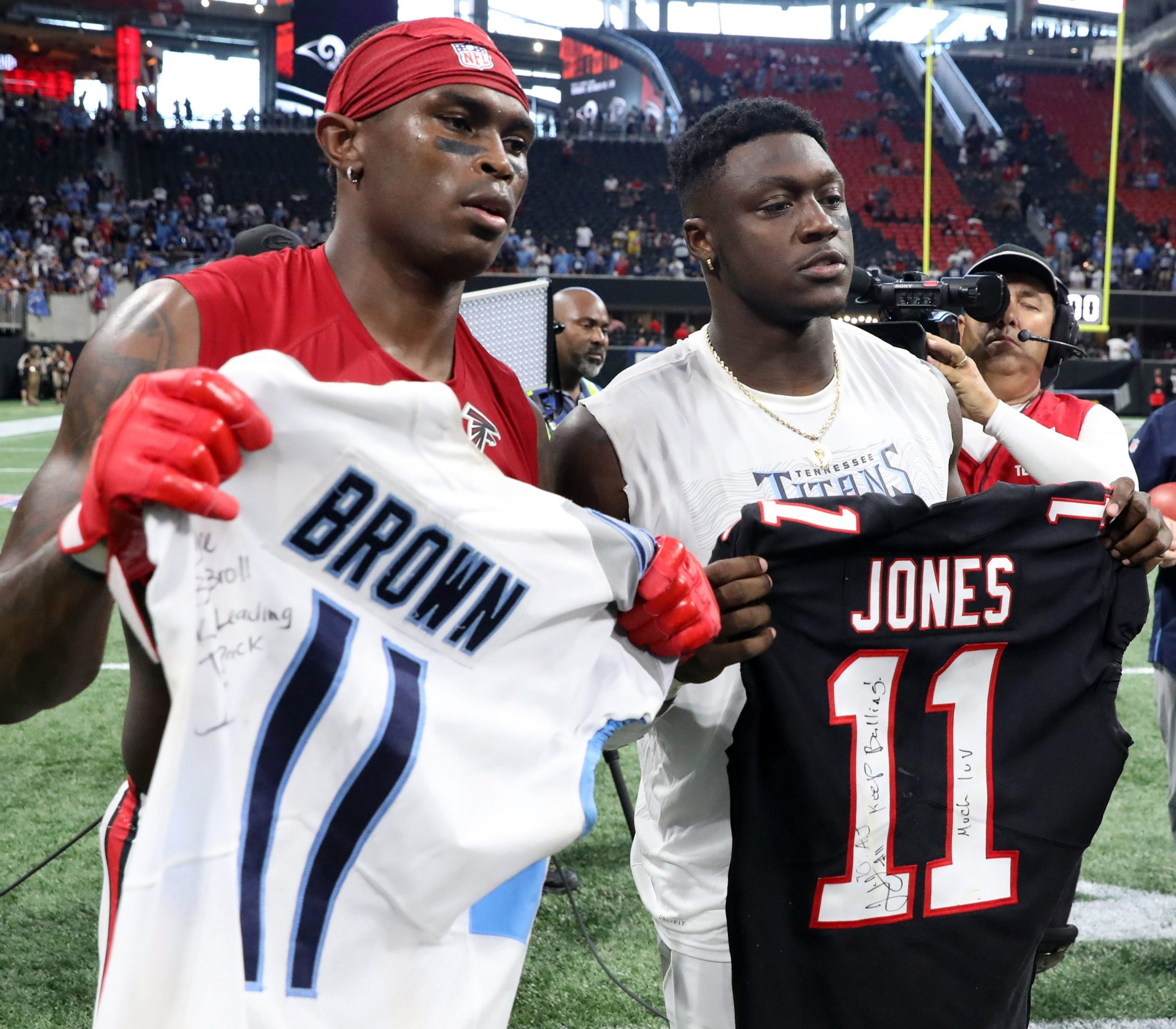 Julio Jones Traded To Tennessee Titans For Draft Picks