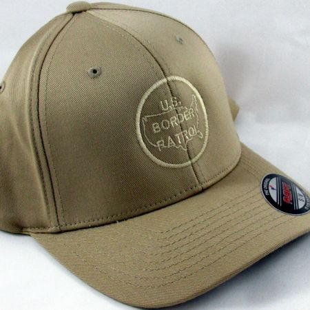 BP FLEXFIT KHAKI CAP S/M - Hats