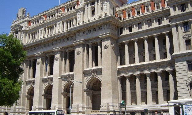 """Una """"bolsa"""" con dinero en Tribunales desató sospechas cruzadas"""