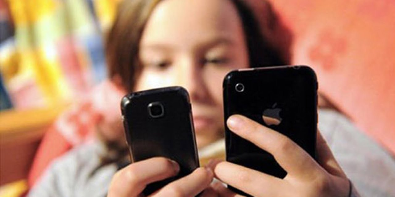 Resultado de imagen para Adicción al celular y nomofobia