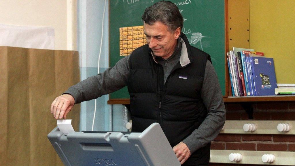¿A medio camino? Cómo busca combatir el agujero negro de la política la reforma electoral del Gobierno