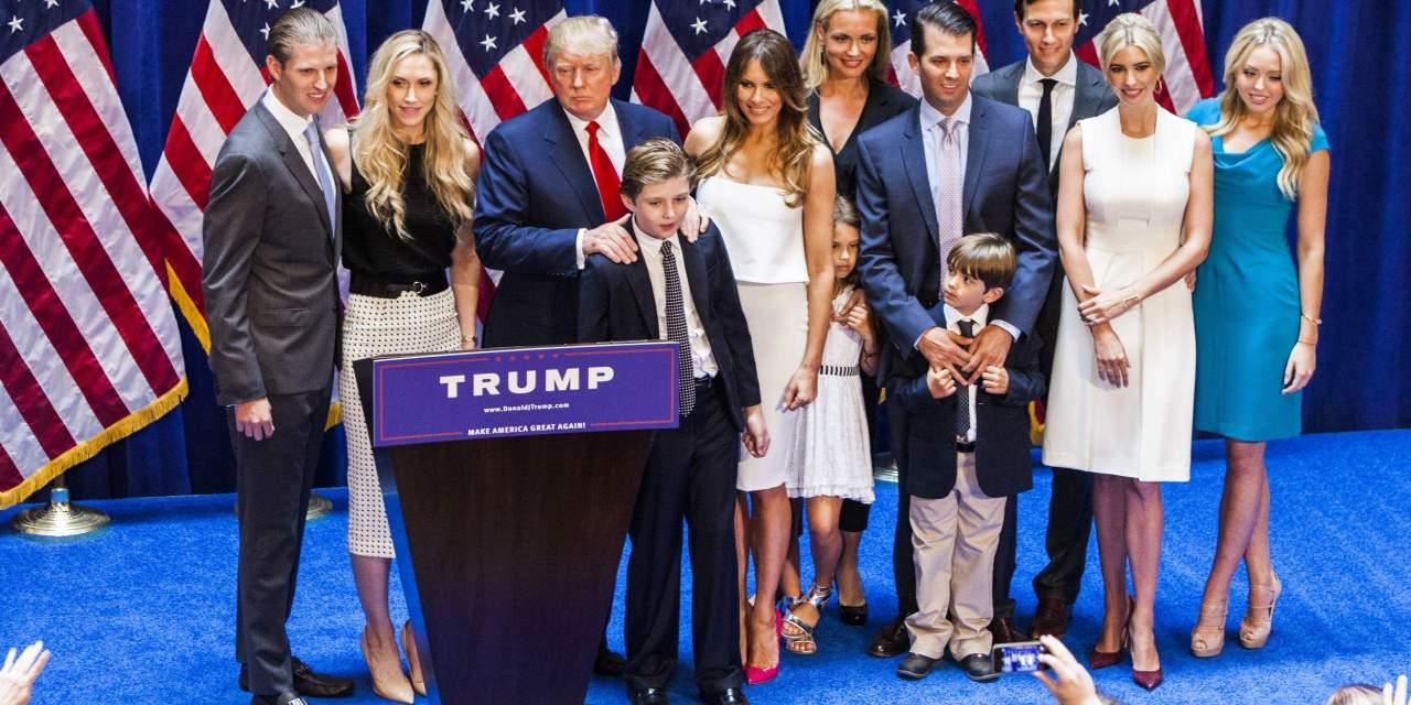 Los Trump y el desafío (casi inhumano) de parecer normales