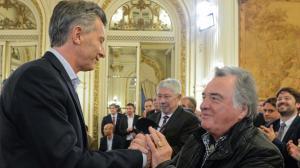 """Barrionuevo, apoya al """"duro"""" Acuña, pero tiene puentes con el macrismo."""