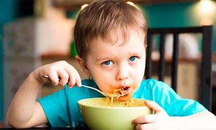 Salir a cenar con los chicos: ¿un tabú culinario?