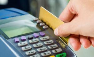 De grandes marcas o de negocios, las tarjetas acumulan denuncias.