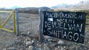 Pintadas en reclamo por Santiago.