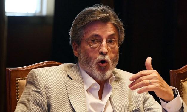 """Todos contra Abad: lo tildan de """"viejo"""" (como a Lemus) y auguran su salida de la AFIP para el verano"""