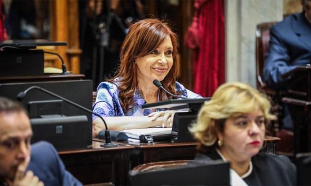 Luz y trastienda del día que Cristina volvió a su trinchera en el Senado
