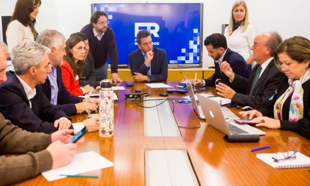 El juego de Massa: Se aleja de los gobernadores dialoguistas para endurecer su oposición