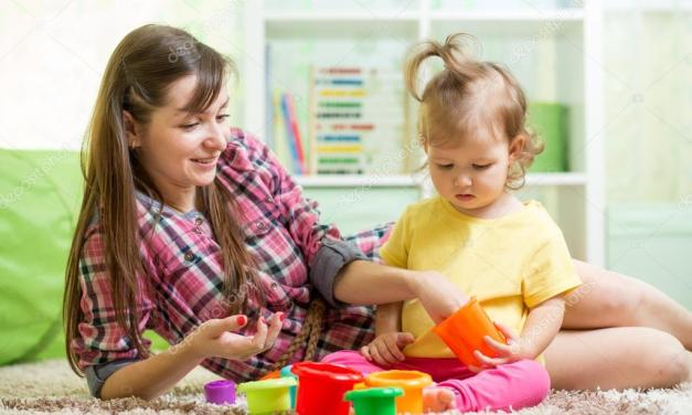 Claves para encontrar a la persona indicada para cuidar de tus hijos