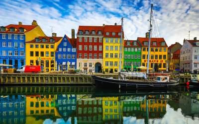 La democracia estresada: será posible que el mundo llegue a funcionar como Dinamarca??
