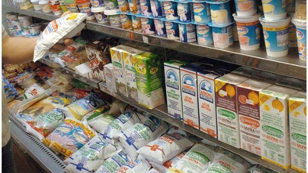 Presupuesto 2020: El Gobierno busca gravar la leche con el 10,5% de IVA
